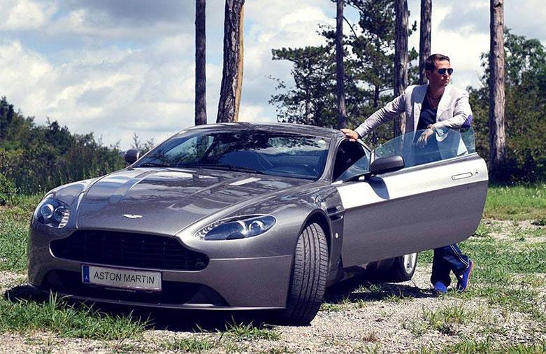 Lange-Carsten-ForeverGreen-Aston-Martin