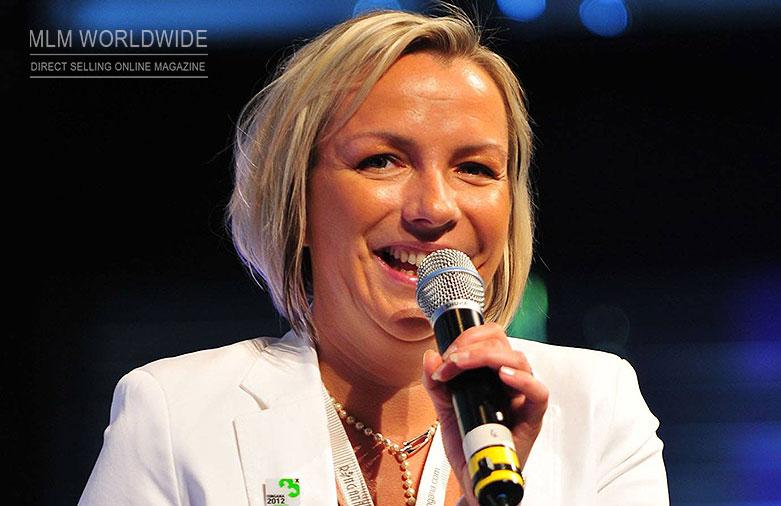 Elke-Pissenberger-on-stage-Ringana