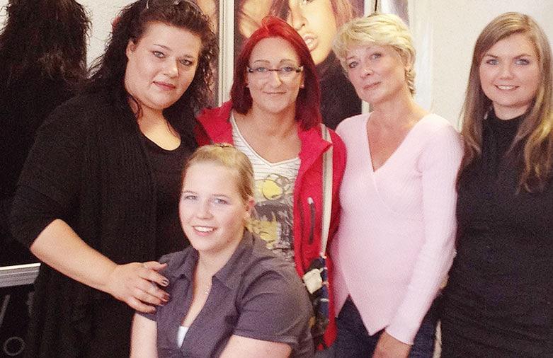 Dondorf-Thomas-Team-Woman-Vegas-Cosmetics