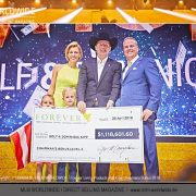 Forever Living Products Diamond Eagle Manager Rolf Kipp erhält Chairman´s Bonus in Höhe von 1.118.601,60 Dollar