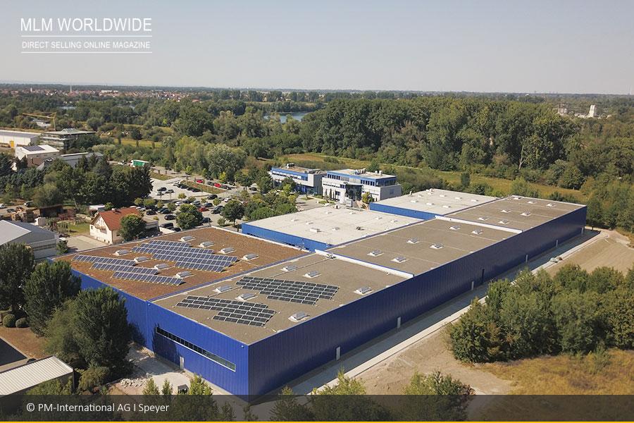 PM-International-AG-Speyer-Lagerhalle-Luftaufnahme