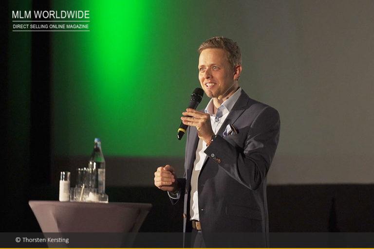 Thorsten Kersting, Juchheim Presidents Team Member, schaltet von 2D auf 3D