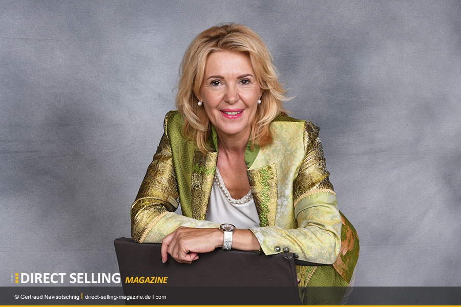 Gertraud-Navisotschnig-Ascira-MLM.Network-Marketing-jpg